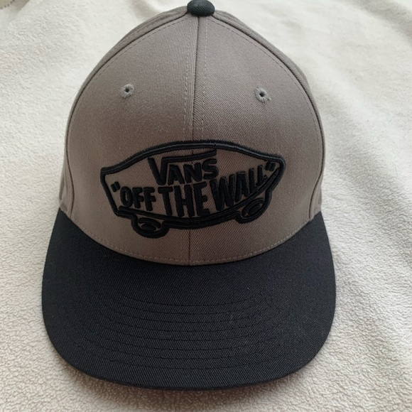 Vans Off The Wall fitted cap size S/M